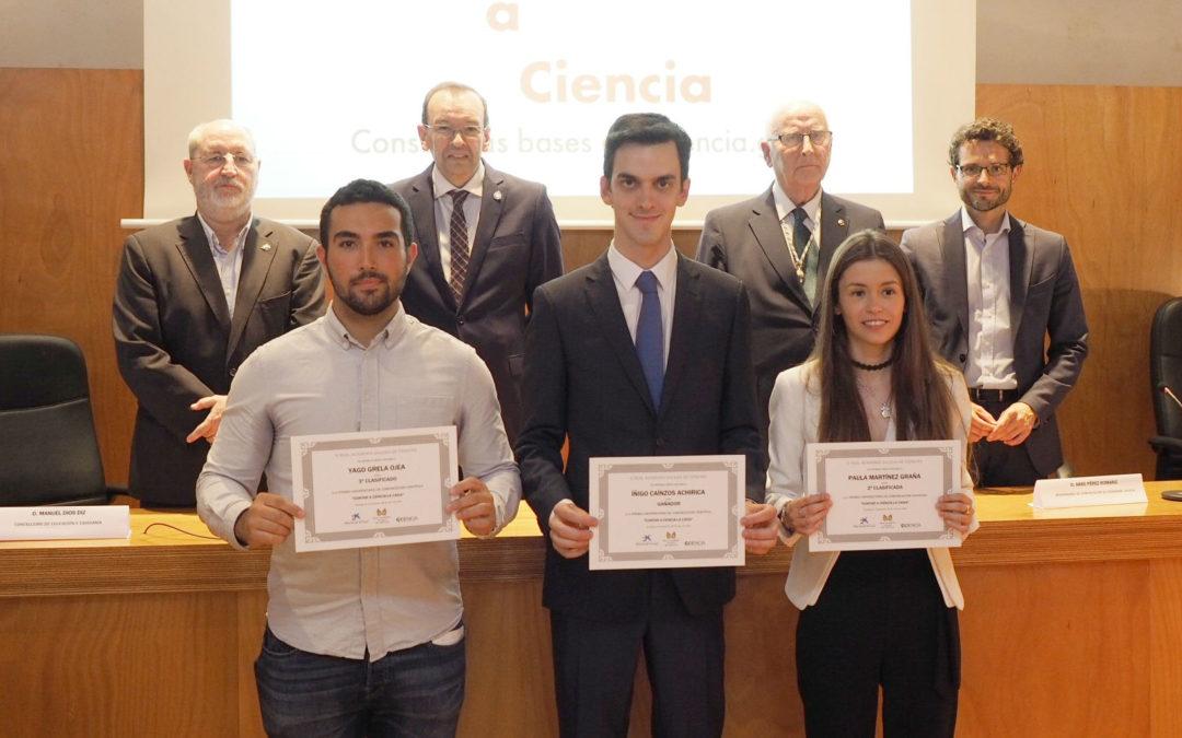 O estudante Íñigo Caínzos gaña o premio Contar a Ciencia